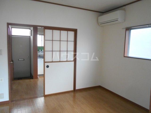一寸木アパート 201号室の居室