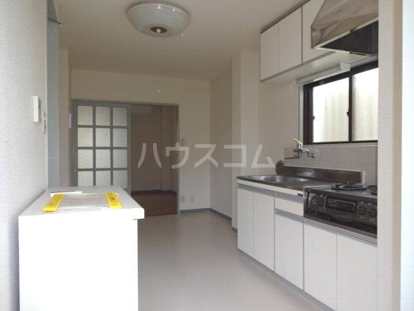 エステートハウス 303号室のキッチン
