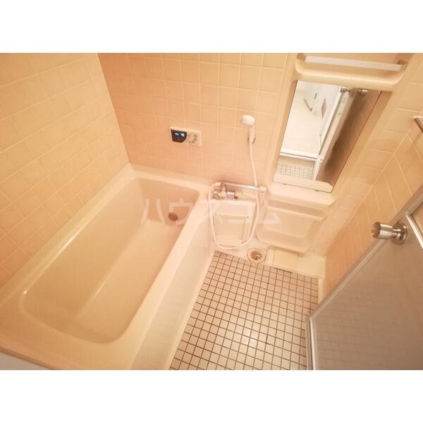 リバーサイド東信 302号室の風呂