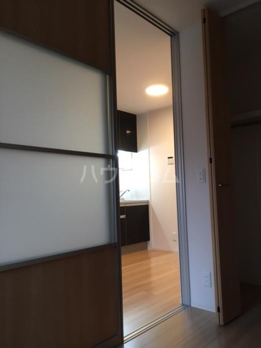 利根レジデンス 101号室の居室