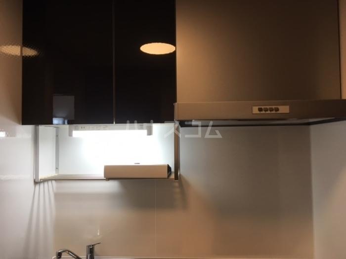 利根レジデンス 205号室のキッチン