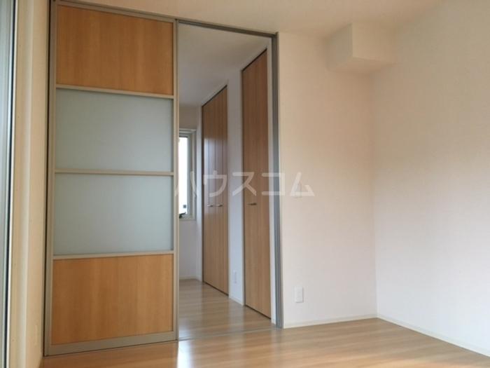 利根レジデンス 205号室の居室