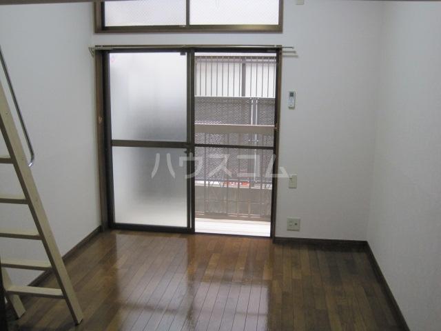 メゾンパレット 205号室の居室