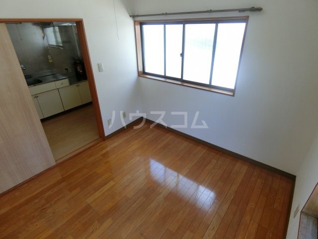 明和コーポB 202号室の居室