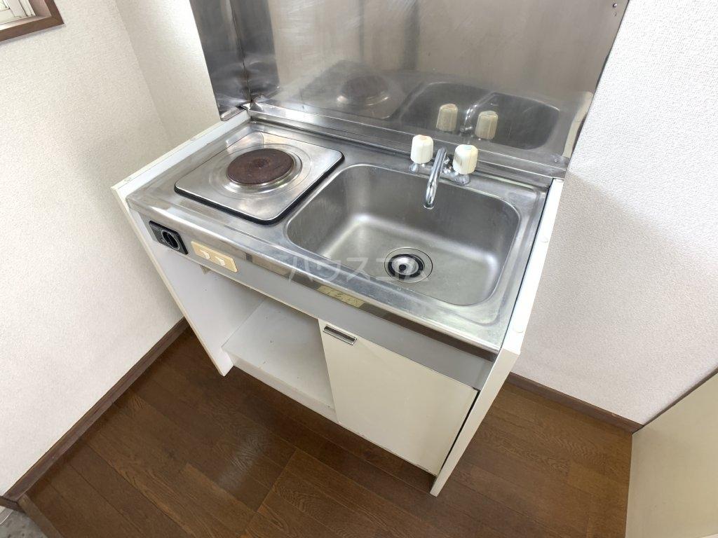 第二コーポ 高市 202号室のキッチン