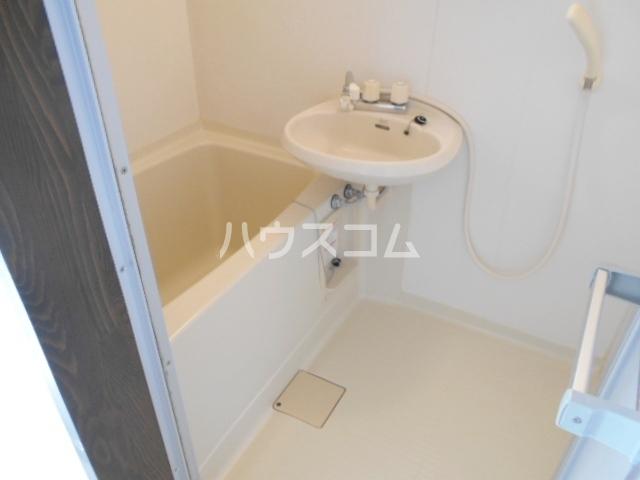 プレアデス酒匂 201号室の洗面所
