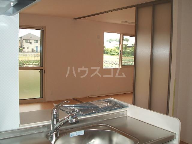 ポルト ボヌールD 102号室のキッチン