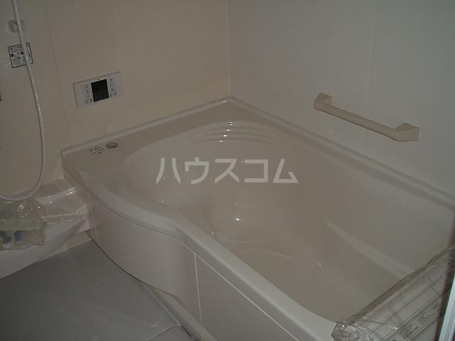 ポルト ボヌールD 102号室の風呂