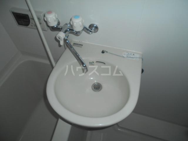 SHA-MERE 101号室の洗面所
