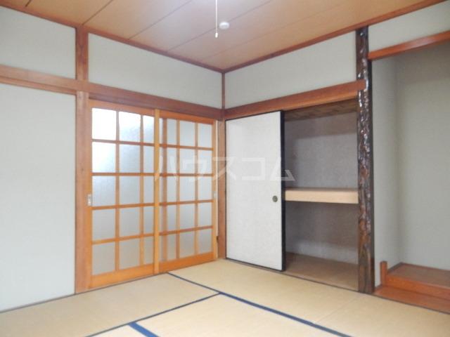 コーポ長谷川 201号室の居室