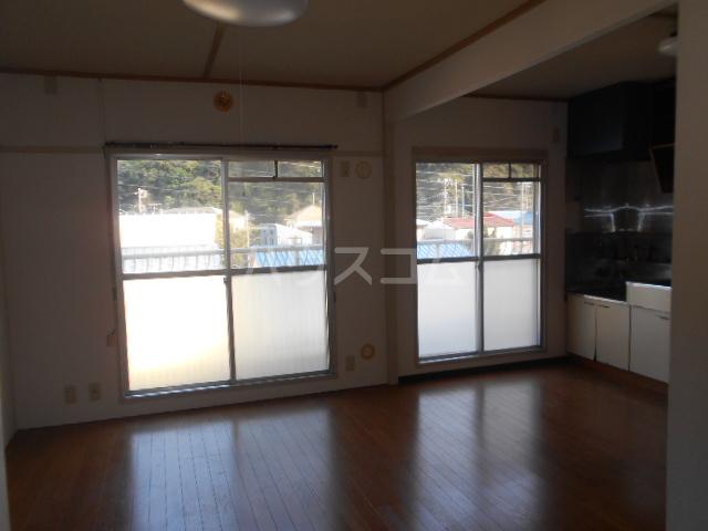 小川ハイツ 305号室のリビング