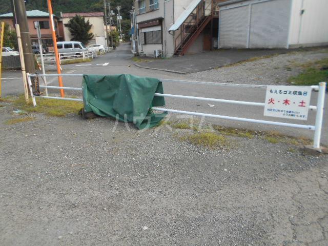 小川ハイツ 305号室の庭