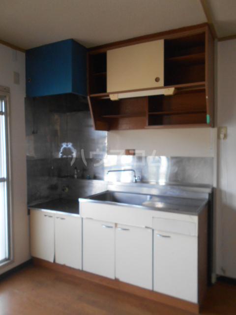 小川ハイツ 305号室のキッチン