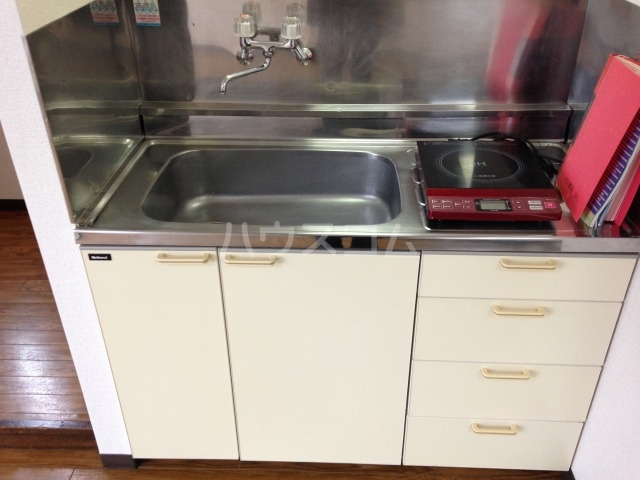 ピア榎本 301号室のキッチン