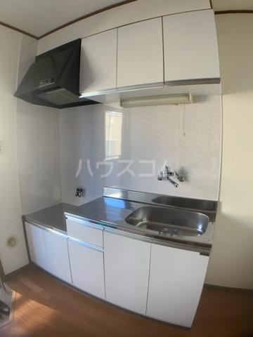 リヴェールハイツ 202号室のキッチン