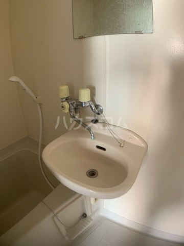 リヴェールハイツ 202号室の洗面所