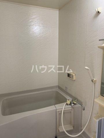 リヴェールハイツ 203号室の風呂