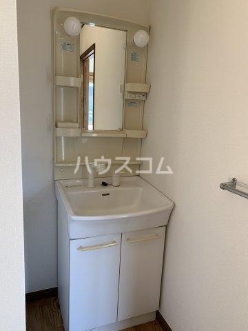 リヴェールハイツ 203号室の洗面所