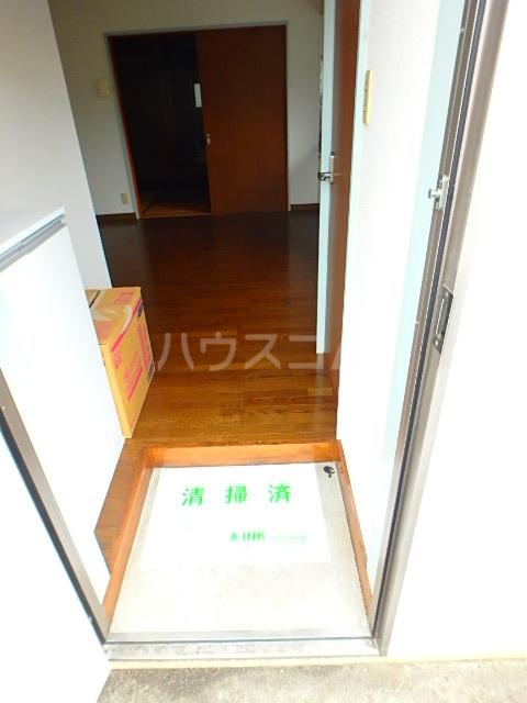 関川アパート A号室の玄関