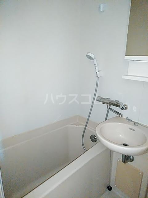 ハイツトーカンドー 102号室の風呂