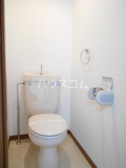 ベルシオン丸久B 202号室のトイレ