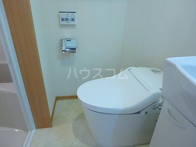 セレブラーレ西船橋 103号室のトイレ