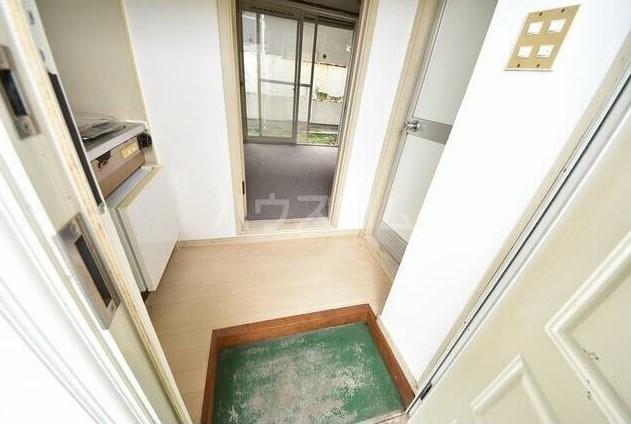 ジュネパレス運河第01-A棟 101号室の玄関