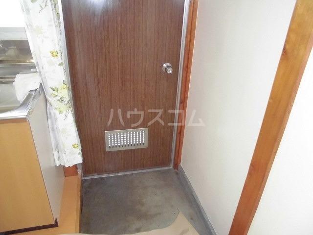 中山アパート 201号室の玄関