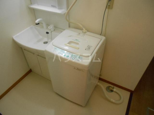 プランドール東町 102号室の洗面所