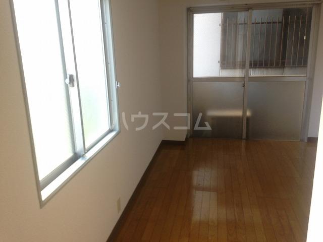 ドゥエルカネヒラ 305号室の居室