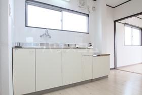 ローズマンション 303号室のキッチン