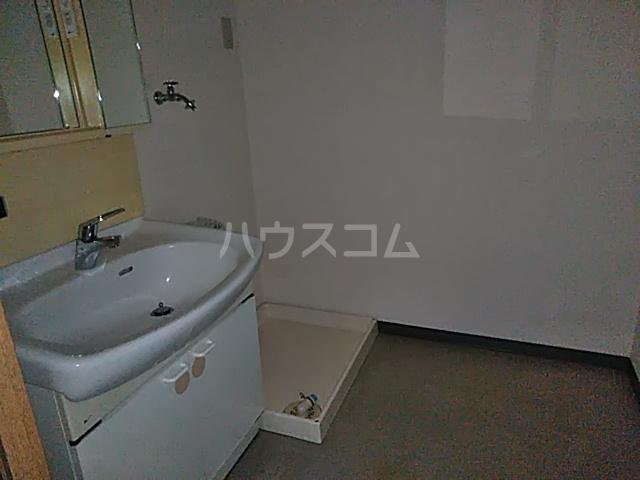サンフラワーII 305号室の洗面所