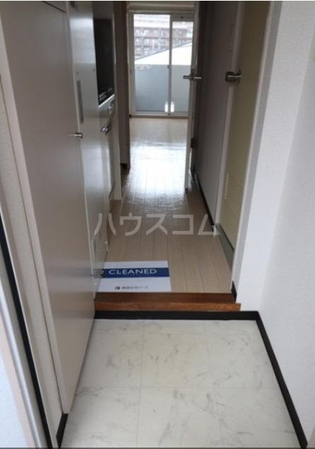 馬絹ハイツ 208号室の玄関