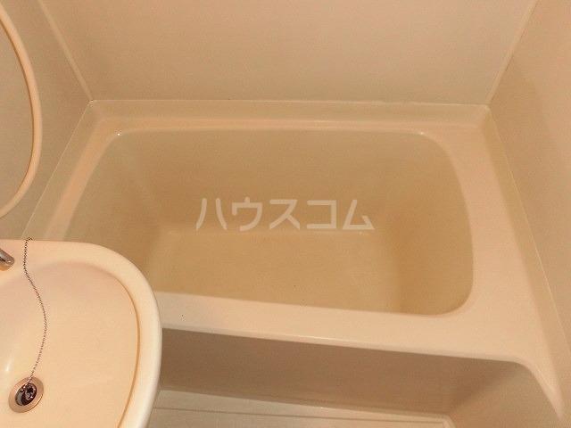 アドバンス共和 101号室の風呂