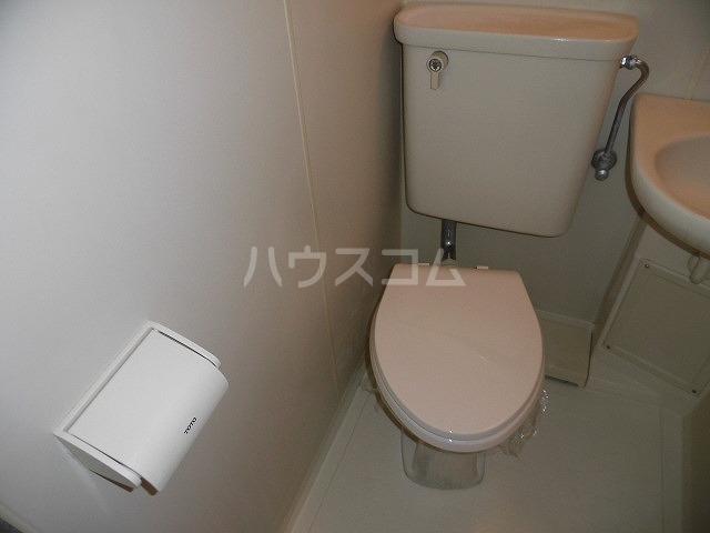アドバンス共和 101号室のトイレ