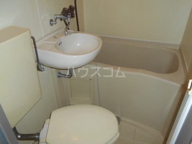 アーク鴨宮 202号室の風呂