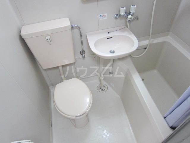 オラシオンT 211号室の洗面所