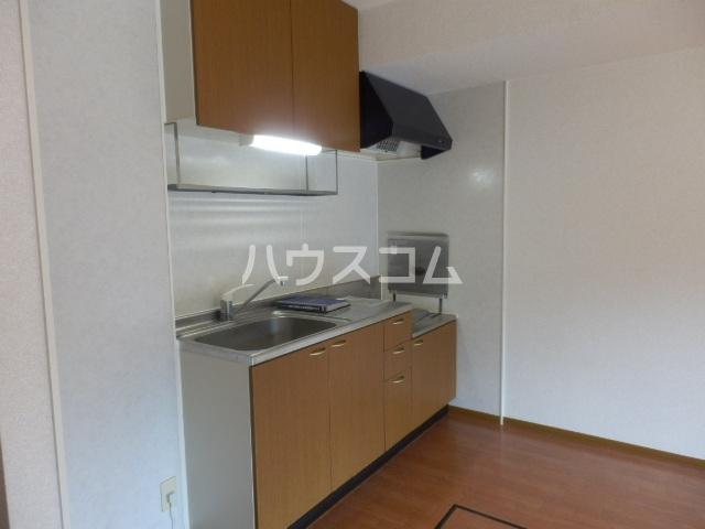 クレストヴィラ A棟 303号室のキッチン
