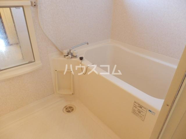 クレストヴィラ A棟 303号室の風呂