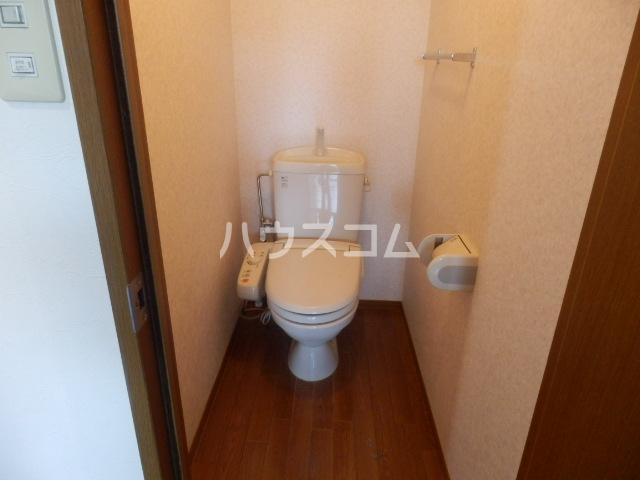 クレストヴィラ A棟 303号室のトイレ