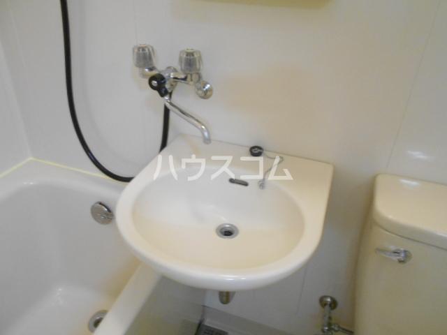 サンハイム湯河原 502号室の洗面所