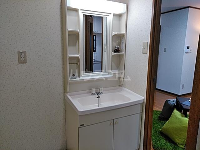 エトワールⅤ 307号室の洗面所