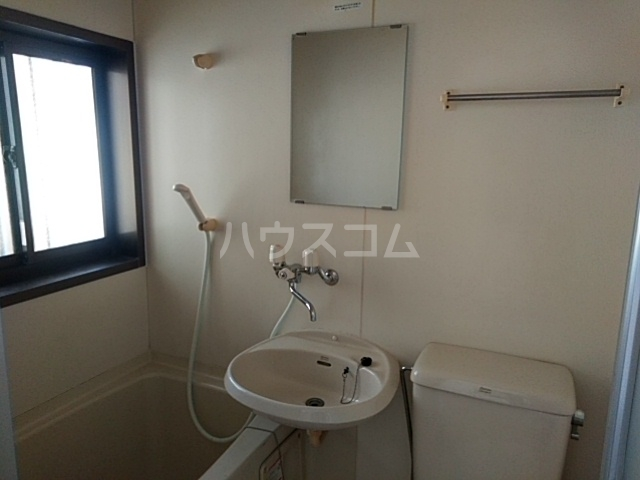 第五稲荷荘 203号室の洗面所