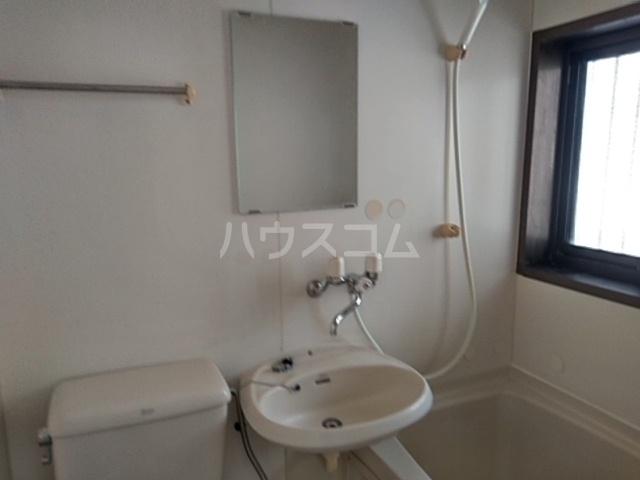 第五稲荷荘 203号室のトイレ