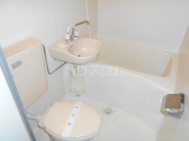 メゾンフェリカ 201号室の風呂