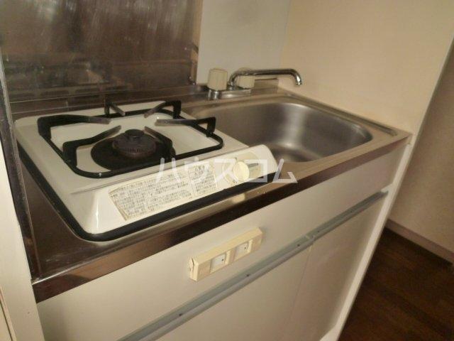 メイプル1 205号室のキッチン