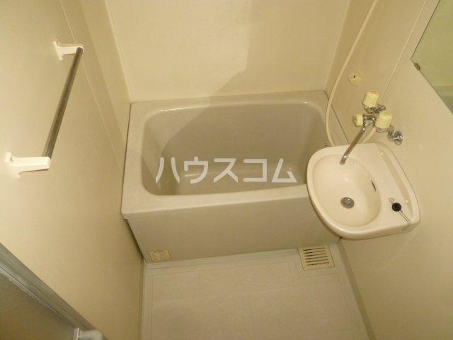 メイプル1 205号室の風呂