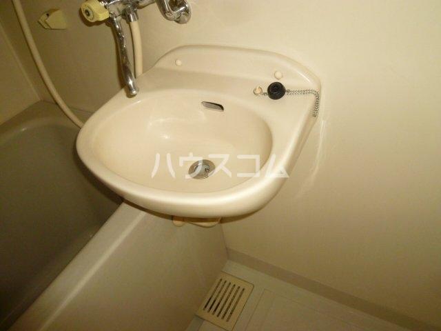 メイプル1 205号室の洗面所