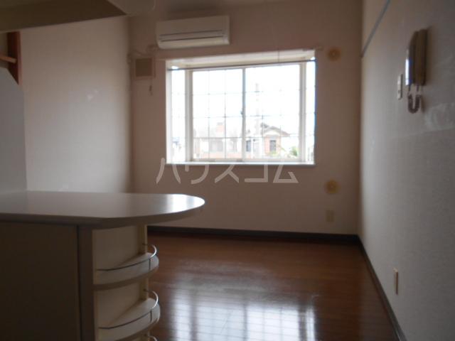 ベルピアデュエット春日部第3 101号室の玄関