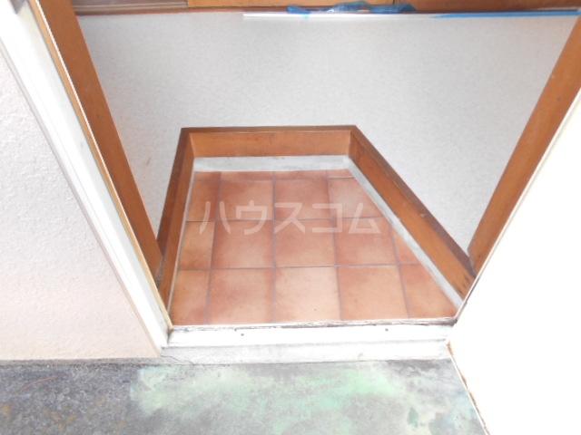 ヤマトハイツ 103号室の玄関